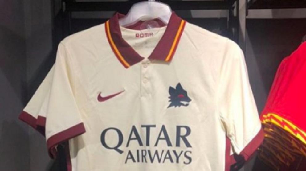 As Roma, in vendita anche la prossima maglia da trasferta (FOTO ...