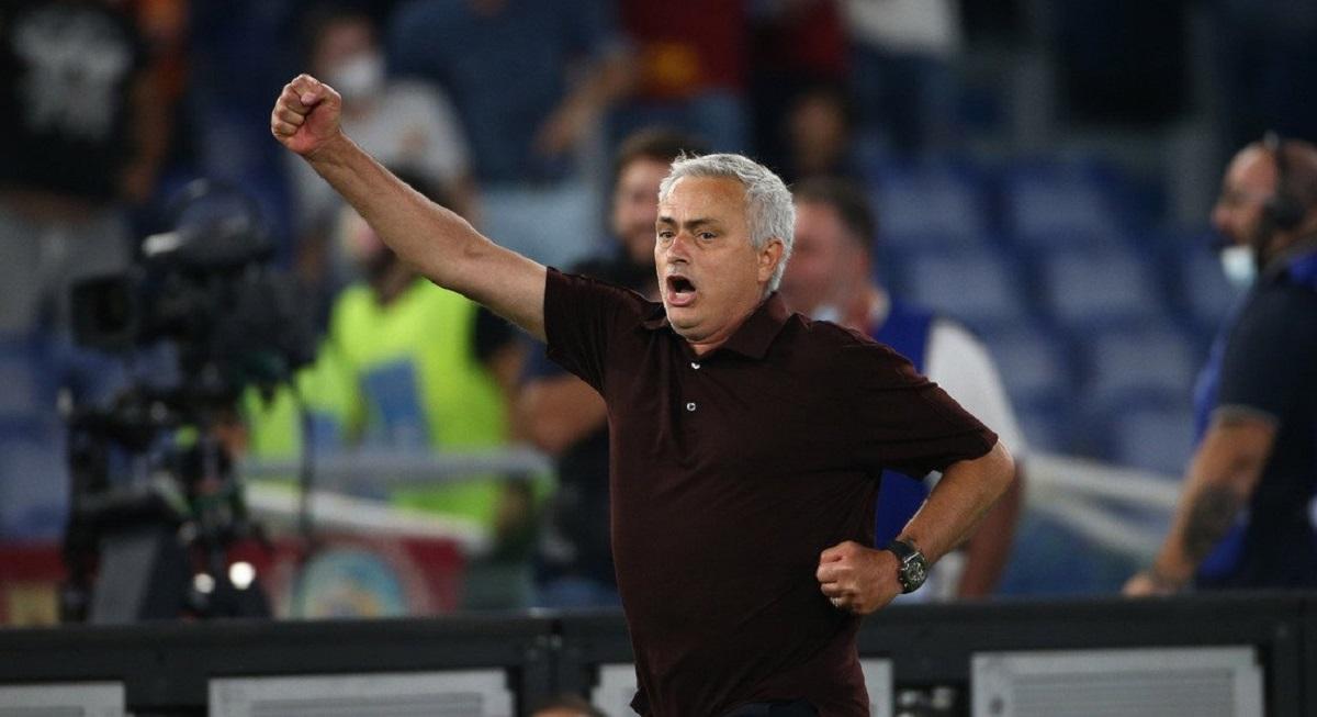 La corsa di Mourinho sotto la Sud dopo il gol al 91°