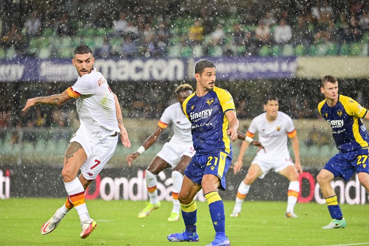 Un grande gol di capitan Pellegrini che non servirà a molto: 3-2 per l'Hellas